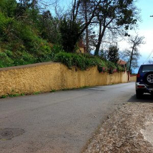 """Passing the private chapel """"Quinta do Pomar"""" heading down to the botanical garden"""