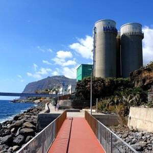 Passing the Energy Gas Station of Madeira on the walk to Camara de Lobos