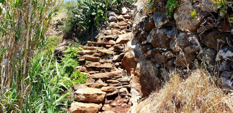 Old stone stairway on the looptrail of Maloeira